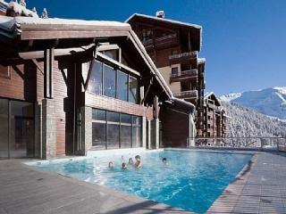 5* SKI-IN SKI-OUT APARTMENT - POOL, JACUZZI, WIFI - Flaine vacation rentals