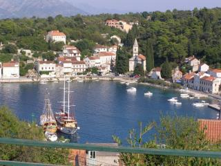 APARTMENT FLOWER WITH BEAUTIFUL VIEW - Korcula vacation rentals