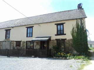 Breton Farmhouse with pool. Sleeps 9 in 5 bedrooms - Plessala vacation rentals