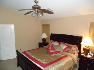 Luxurious Single Level Home in San Tan Valley. - Queen Creek vacation rentals