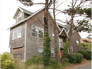 Lighthouse - Custom-built Ocean Front hm w/ spectacular panoramic ocean views - Lincoln City vacation rentals