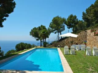 Dream views, Villa for 8, pool & beach - Sant Feliu de Guixols vacation rentals