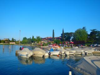 elegante appartamento tra Desenzano e Sirmione - Desenzano Del Garda vacation rentals