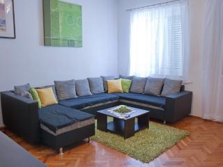Apartment Sky - Split vacation rentals