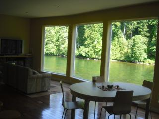 Right on the River vacation rental - Campbell River vacation rentals