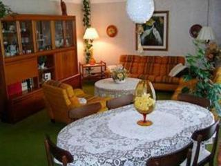 Ollie's B+B 1 Bedroom - Welland - Welland vacation rentals