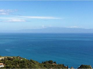 Taormina city center, terrace great views, parking - Taormina vacation rentals