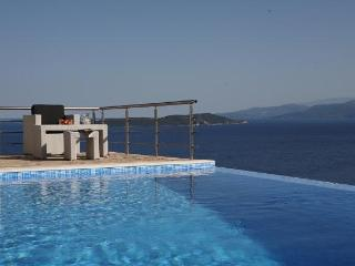 Private villa, swimminpg pool, sea views, garden, BBQ, including motorboat, Sivota, Lefkada - Lefkas vacation rentals