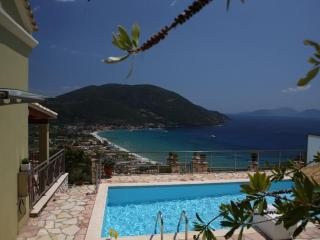Comfortable Villa with swimming pool, sea views, near beach, Vassiliki Ponti LEFKAS - Lefkas vacation rentals