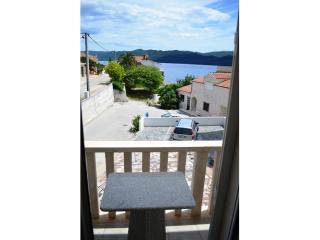 Apartments and Rooms Ante - 51181-A6 - Komarna vacation rentals