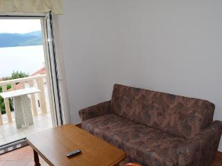 Apartments and Rooms Ante - 51181-A7 - Komarna vacation rentals