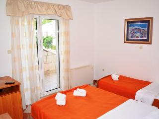 Apartments and Rooms Ante - 51181-S2 - Dubrovnik-Neretva County vacation rentals