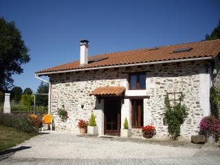 Ipomoea Cottage - Le Lindois vacation rentals