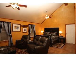 Appian Way Provence Cottage - Provence Cottage Hill Country Views w/ Hot Tub - Fredericksburg - rentals
