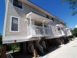 Lake view townhome in the heart of Sanibel - Sanibel Island vacation rentals