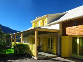 Maison de Vacance Cilaos Villa Hortensias centre-v - Cilaos vacation rentals