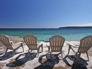 Redoubt Redux cottage (#768) - Ontario vacation rentals