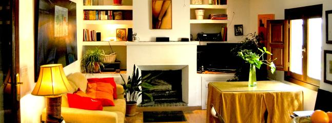 front view of the living with fireplace - romantic close to the Alhambra - Province of Granada - rentals