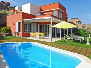 Holiday villa with 2 bedrooms and private pool - Maspalomas vacation rentals