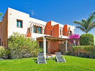 Villa with 2 bedrooms and community pool - Santa Brigida vacation rentals
