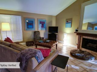 Remodeled South PS single story pool home - Palm Springs vacation rentals