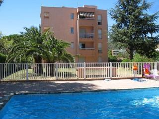 Appartement dans résidence avec piscine F339 - Saint-Maxime vacation rentals