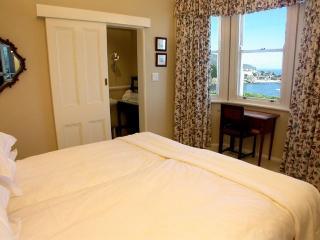 Bingley at Funkey 2B - Camps Bay vacation rentals
