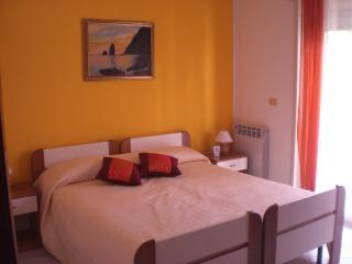 Appartamento in villa - Messina vacation rentals