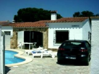 Villa Gardenia - L'Escala vacation rentals