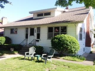 Bungalow 89 - Weekly Rentals begin on Saturday - Fennville vacation rentals