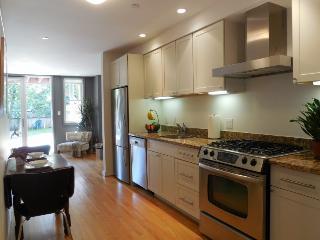 Great location!!! Pacific Heights Garden Apartment - San Juan vacation rentals
