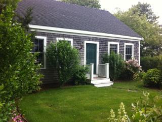 Nantucket Cottage Abuts Bird Santuary - Nantucket vacation rentals