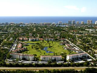 Next to Downtown and the Beach, FREE GOLF - Naples vacation rentals