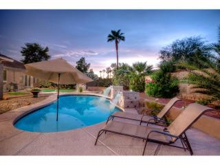 Prime Location- 2 Masters- Nice Pool- Resort Yard - Scottsdale vacation rentals