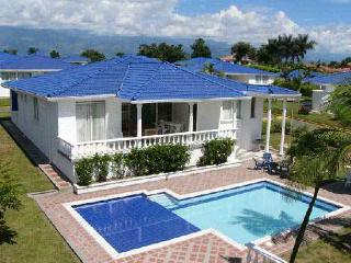 Luxury Villa with private pool! - Pereira vacation rentals