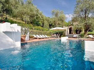 Hillside Lucca Vacation Rental at La Madonnina with Pool - Nocchi vacation rentals