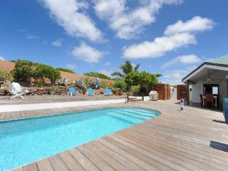 Ocean view Villa Sea Nymph, ideal for a romantic getaway, with housekeeping - Mont Jean vacation rentals