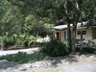 Old Florida Charm at a great central location - Venice vacation rentals