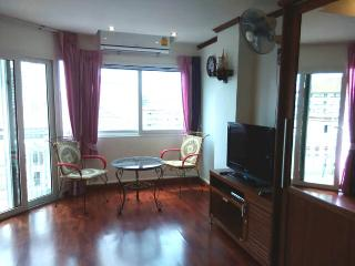 Beautiful apartment (1047) in centre of Jomtien - Jomtien Beach vacation rentals