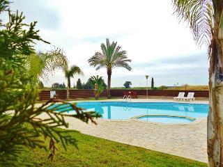 Spacious 1 bedroom gf flat - Oroklini vacation rentals