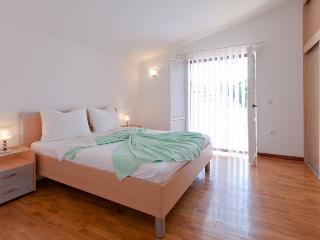 Apartment Ante - 27181-A2 - Privlaka vacation rentals