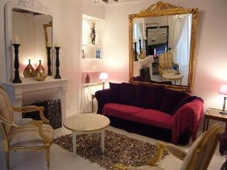 AC, 1 Bedroom Family Friendly Rental in Marais (M) - Paris vacation rentals