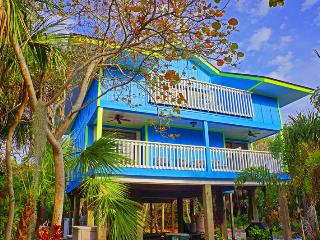Blue Macaw - Lush Tropical steps to the beach - Brooksville vacation rentals