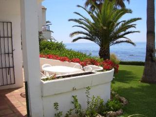BEACH FRONT 2 BED HOUSE WITH AMAZING SEA VIEW - Fuengirola vacation rentals