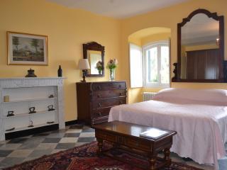 VILLA D'ALBERTIS - Crevari vacation rentals