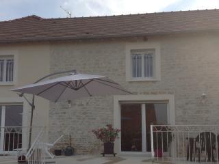 LA GRANGE DE LEA - Arconville vacation rentals