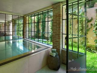 Luxury Six Bedroom