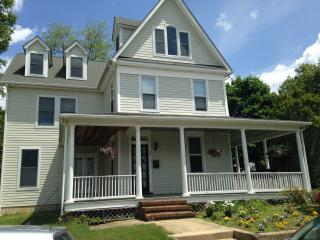 Charming and Spacious Annapolis Victorian - Davidsonville vacation rentals