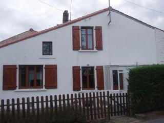 Holiday cottage in Puy de Serre, Vendee - Vendee vacation rentals