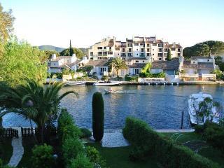 Cité lacustre à 5Kms St Tropez - Saint-Tropez vacation rentals